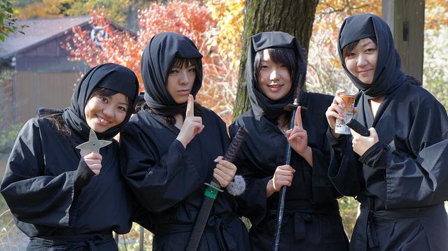 Jóvenes disfrazadas de Kunoichi (Ninjas femeninas) go.biwakoE